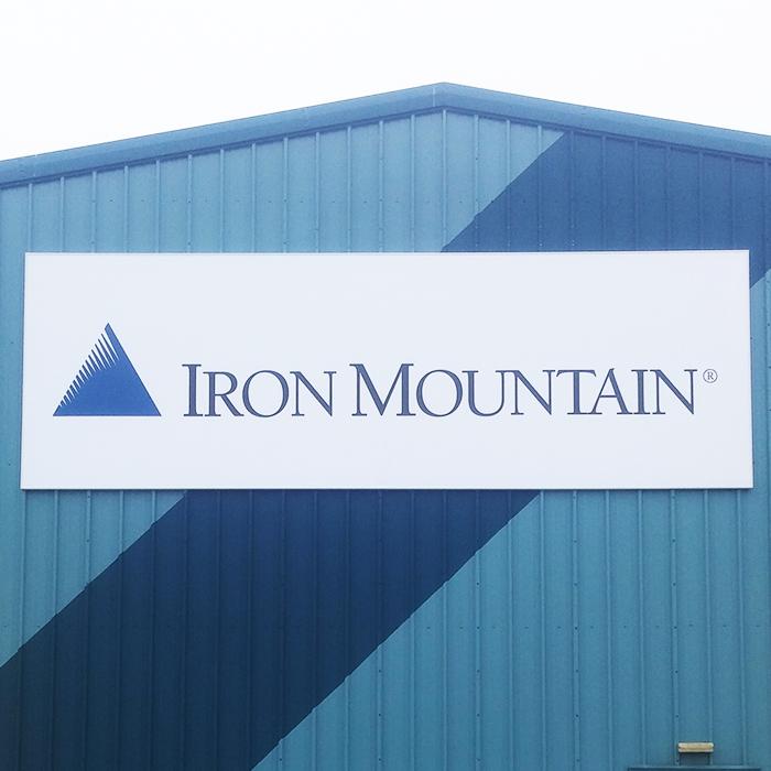 Iron Mountain Flexi-face Sign